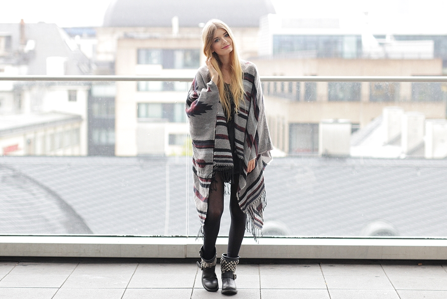 Poncho Outfit Hypnotized Blog 4