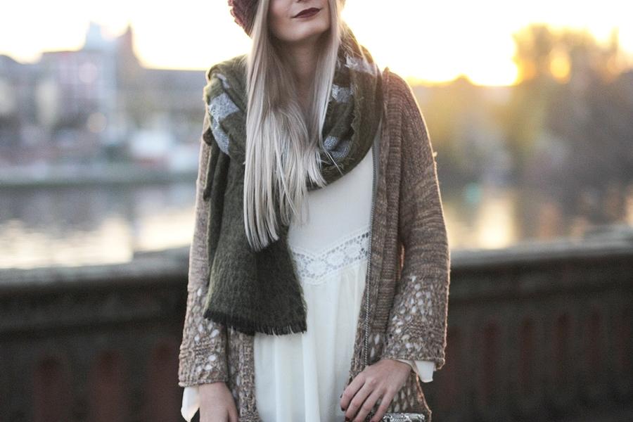 Modeblog-Fashion-Blog-Fransencardigan-Boho-Outfit-10