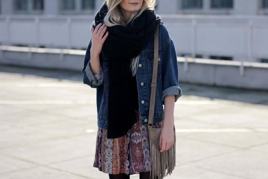 Modeblog-German-Fashion-Blog-Boho-Outfit-Jeansjacke-70s-Look-12