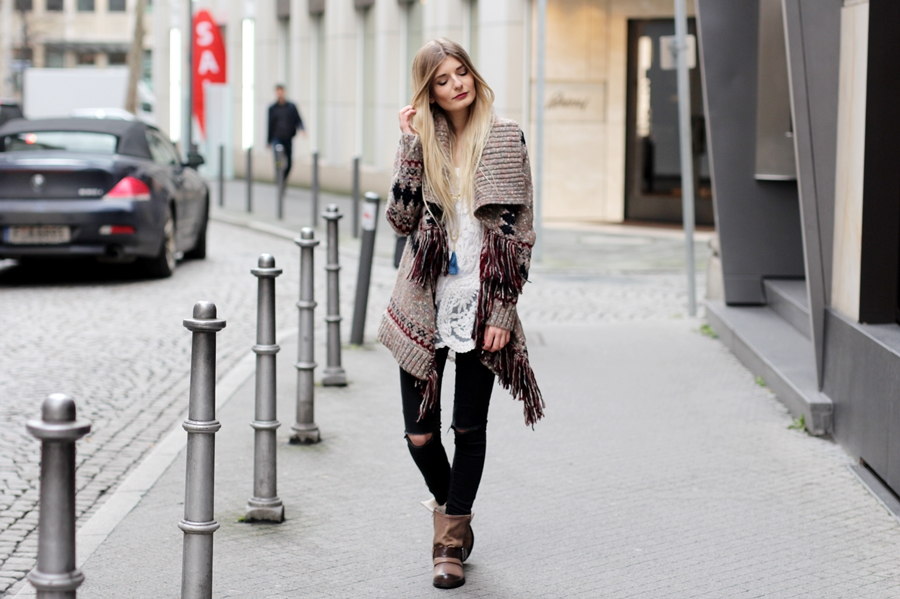 Modeblog-German-Fashion-Blog-Outfit-Azteken-Cardigan-2