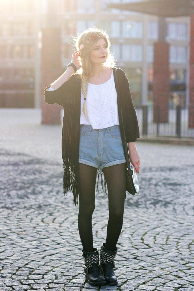 Modeblog-German-Fashion-Blog-Outfit-Kimono-Blumenkranz-1