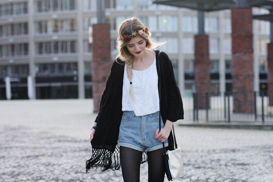 Modeblog-German-Fashion-Blog-Outfit-Kimono-Blumenkranz-6