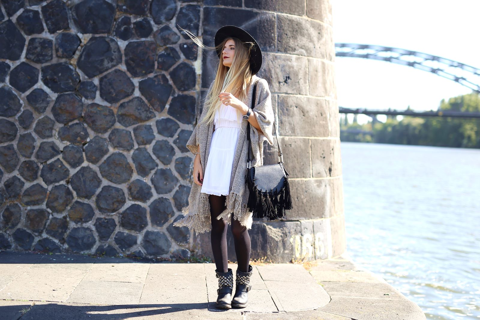 modeblog-german-fashion-blog-outfit-kleid-cardigan-boots-5