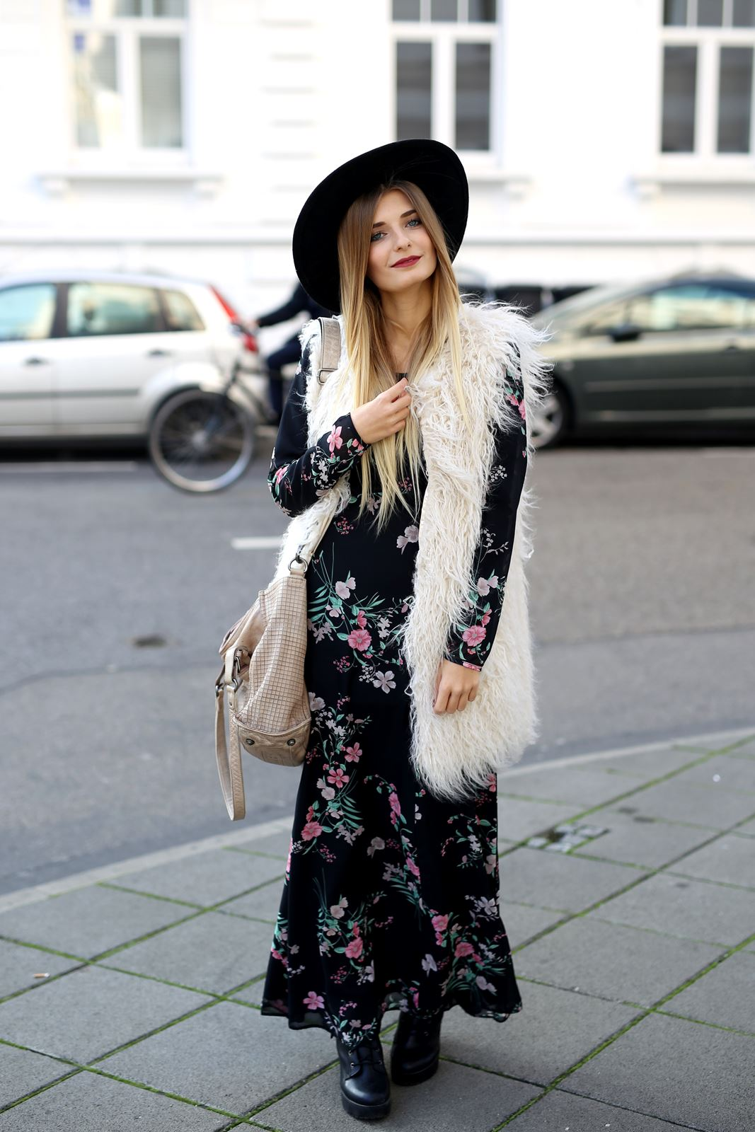 modeblog-fashion-blog-outfit-herbst-fake-fur-maxi-kleid-2