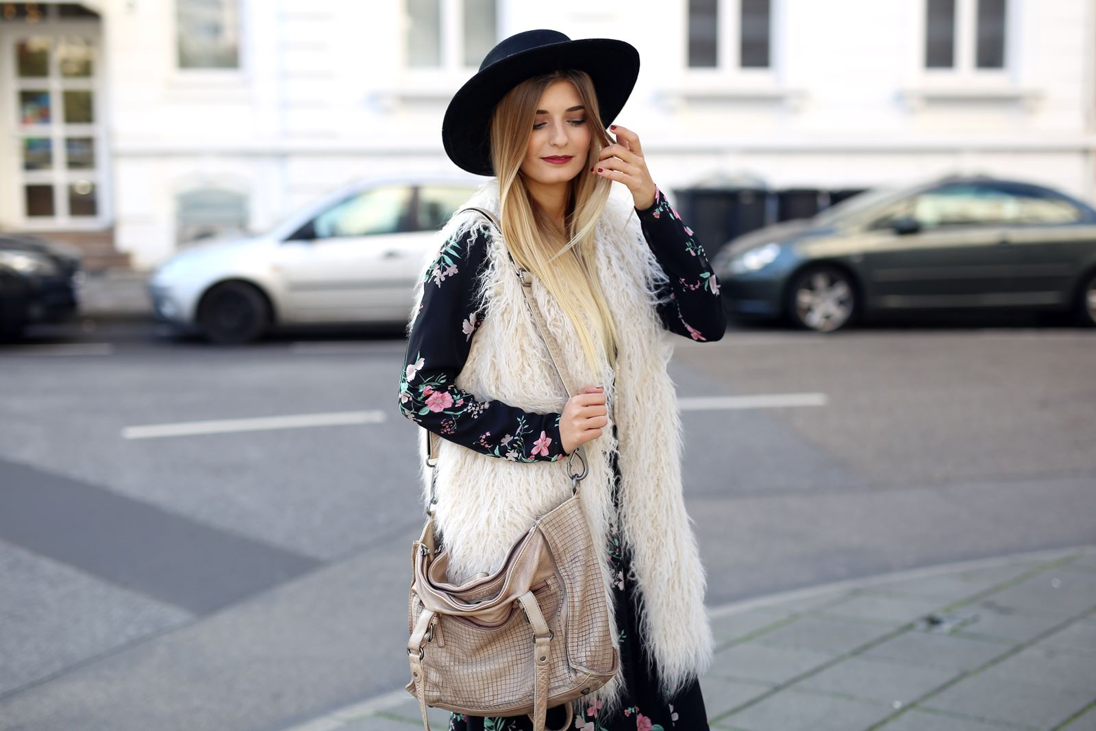 modeblog-fashion-blog-outfit-herbst-fake-fur-maxi-kleid-7