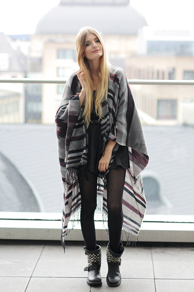 Poncho Outfit Hypnotized Blog 1