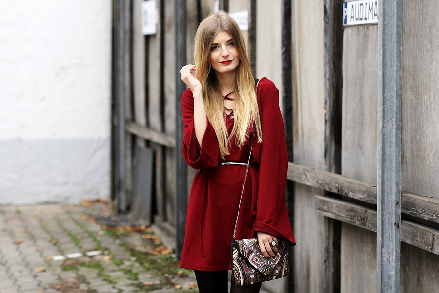 Rotes Kleid Outfit Blog 4