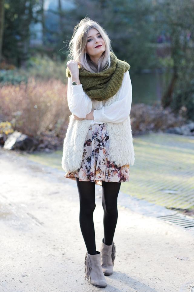 Modeblog-German-Fashion-Blog-Outfit-Fellweste-XXL-Schal-2