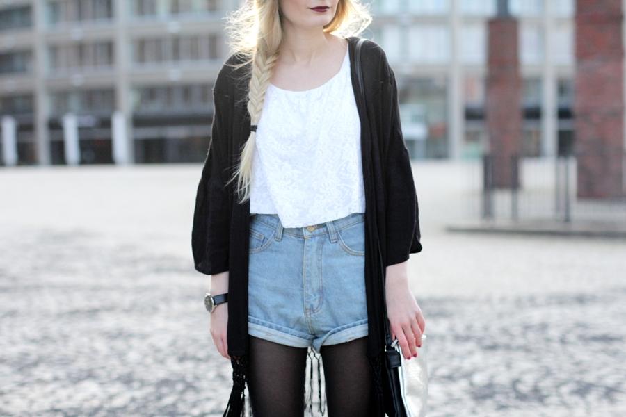 Modeblog-German-Fashion-Blog-Outfit-Kimono-Blumenkranz-10