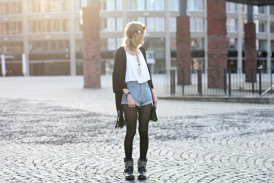 Modeblog-German-Fashion-Blog-Outfit-Kimono-Blumenkranz-4
