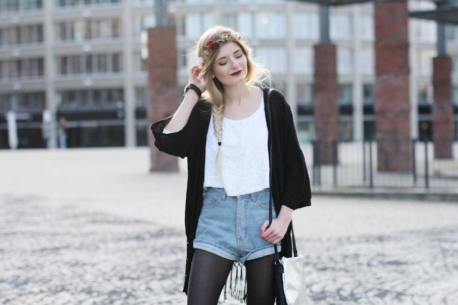 Modeblog-German-Fashion-Blog-Outfit-Kimono-Blumenkranz-7