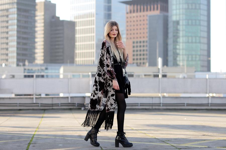 Modeblog-German-Fashion-Blog-Outfit-Kimono-Fransen-3