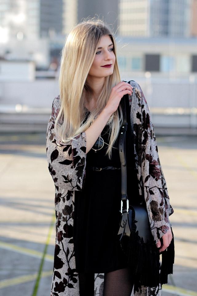 Modeblog-German-Fashion-Blog-Outfit-Kimono-Fransen-6