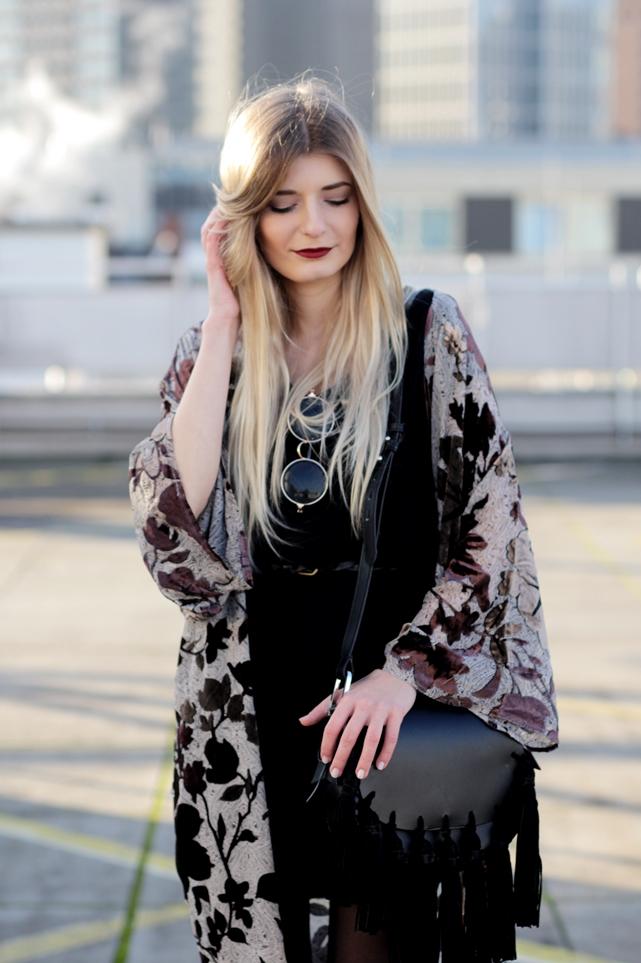 Modeblog-German-Fashion-Blog-Outfit-Kimono-Fransen-8