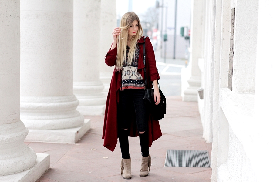Modeblog-German-Fashion-Blog-roter-Trenchcoat-Boho-Bluse-1