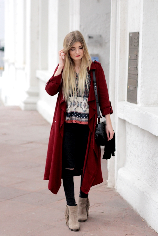 Modeblog-German-Fashion-Blog-roter-Trenchcoat-Boho-Bluse-2
