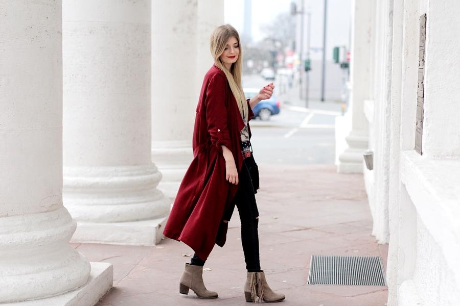 Modeblog-German-Fashion-Blog-roter-Trenchcoat-Boho-Bluse-9