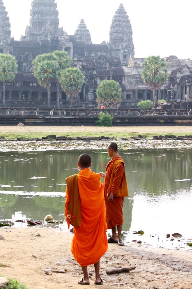 Angkor-Wat-Siem-Reap-Kambodscha-Tempel-Möche