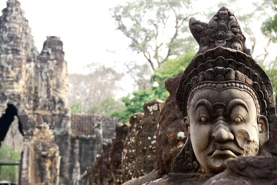 Angkor-Wat-Siem-Reap-Kambodscha-Tempel-Statue