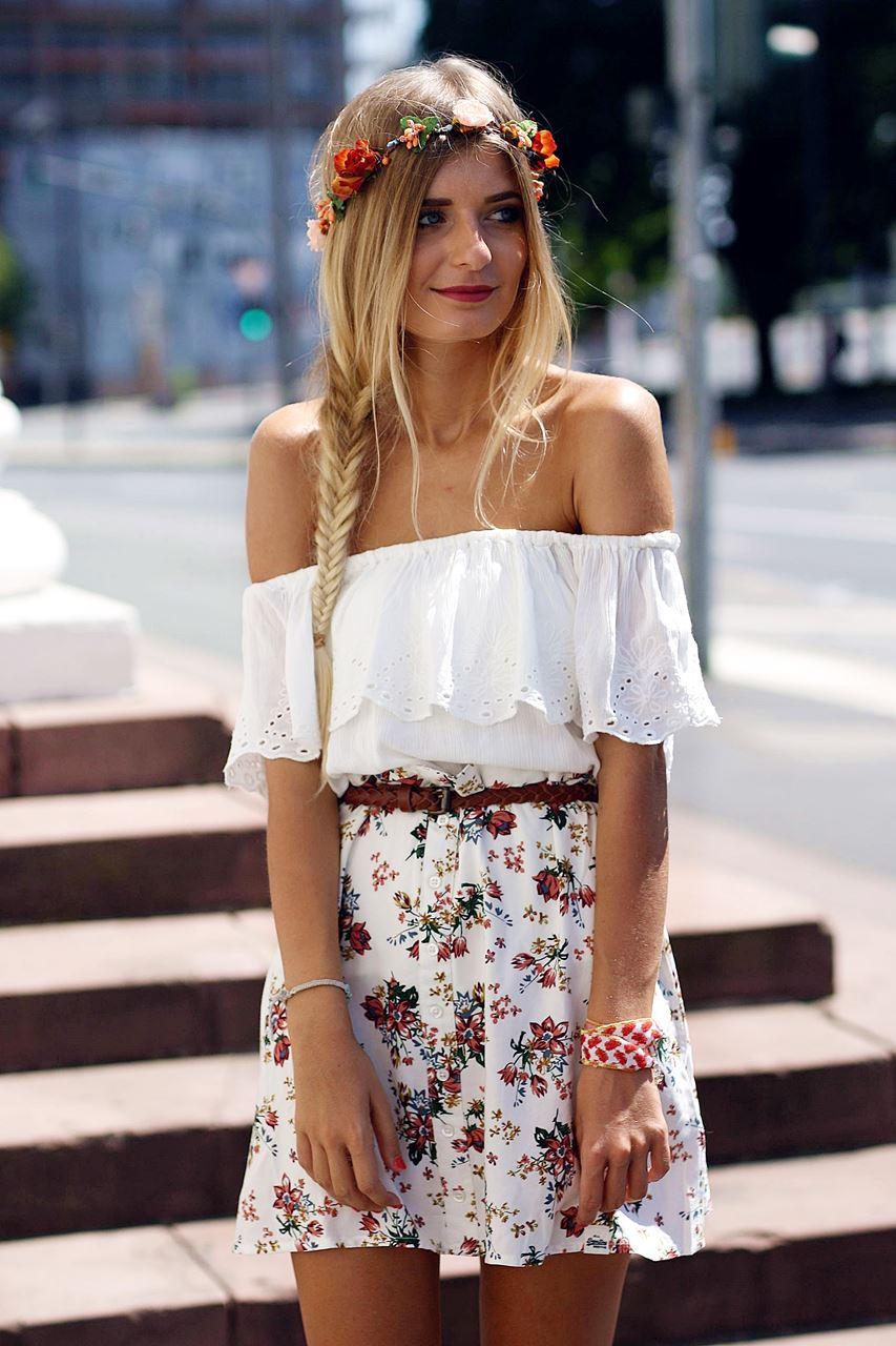 Modeblog-German-Fashion-Blog-Outfit-Blumenrock-Schulterfrei-4