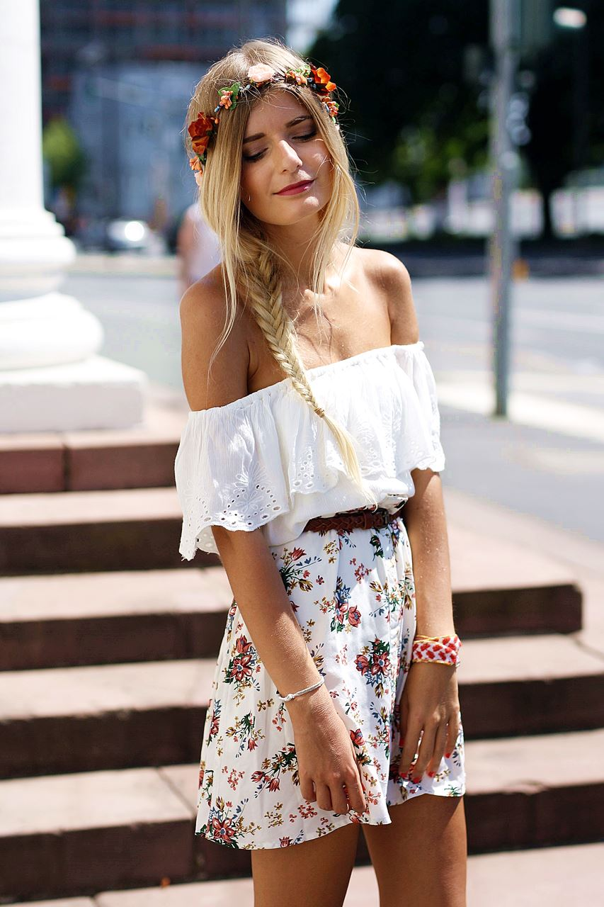 Modeblog-German-Fashion-Blog-Outfit-Blumenrock-Schulterfrei-5