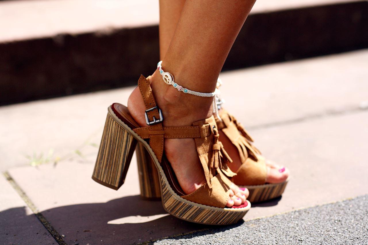Modeblog-German-Fashion-Blog-Outfit-Blumenrock-Schulterfrei-8