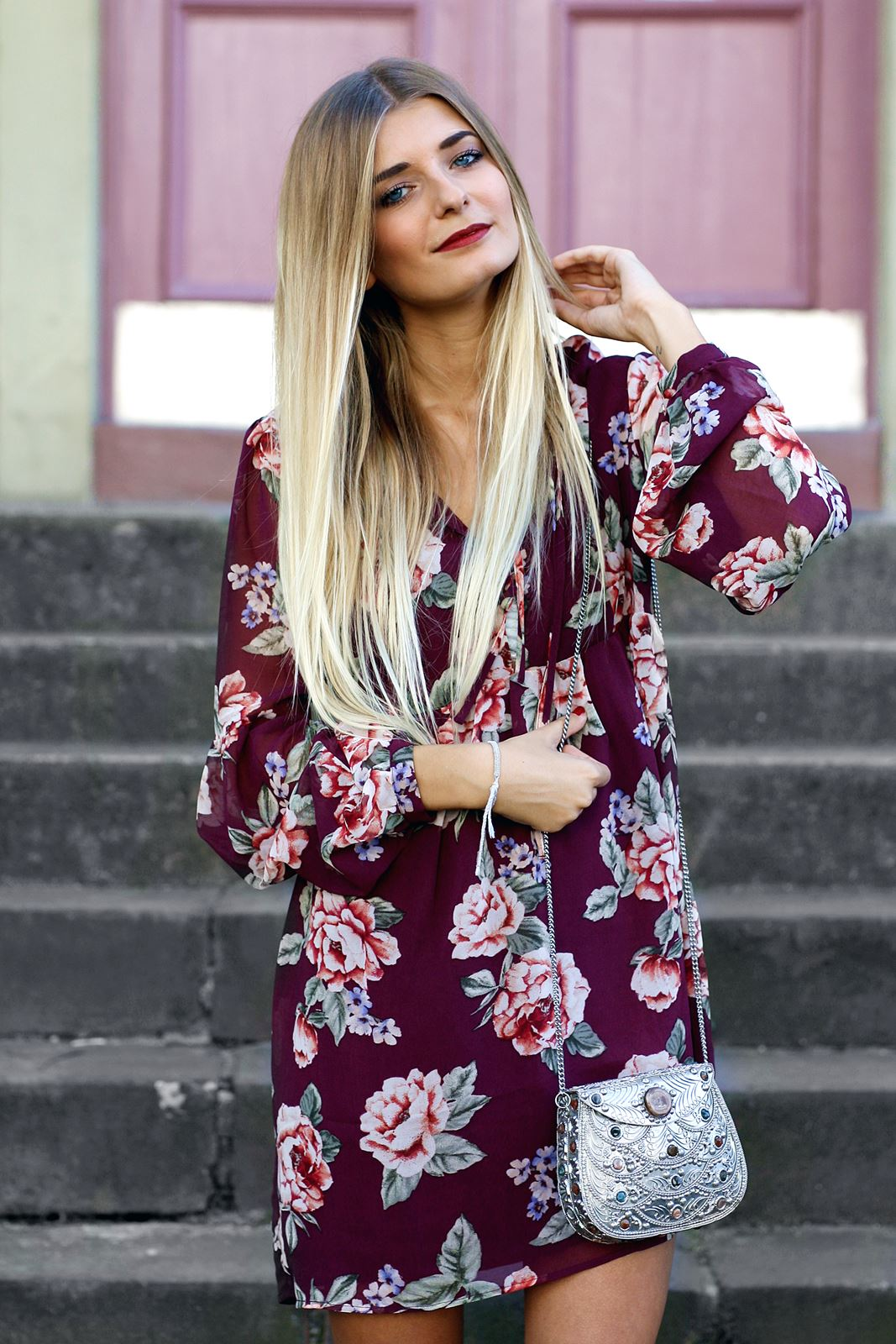 modeblog-german-fashion-blog-outfit-stiefeletten-rotes-blumenkleid-6