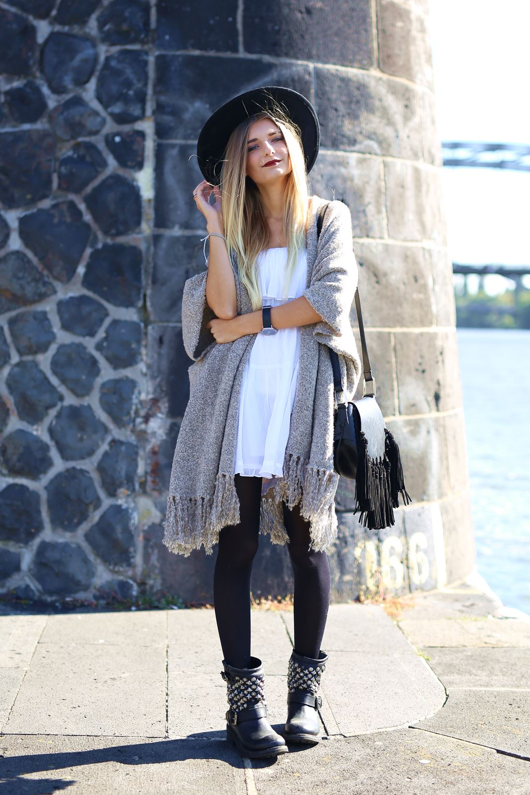 modeblog-german-fashion-blog-outfit-kleid-cardigan-boots-2