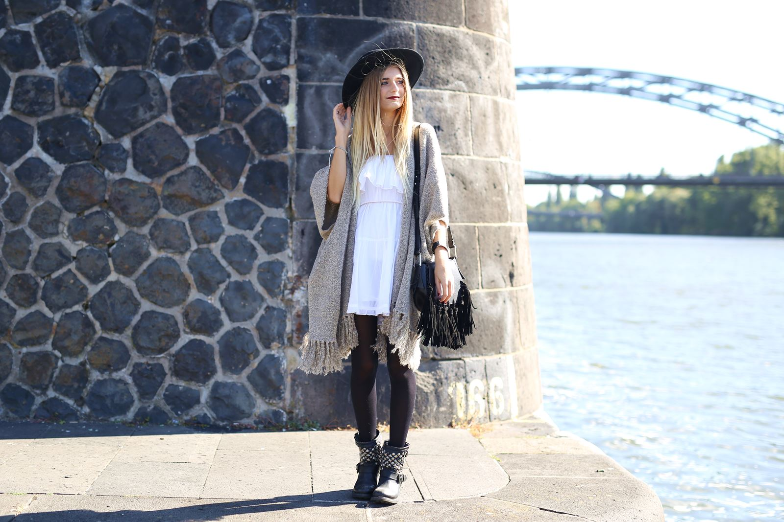modeblog-german-fashion-blog-outfit-kleid-cardigan-boots-4