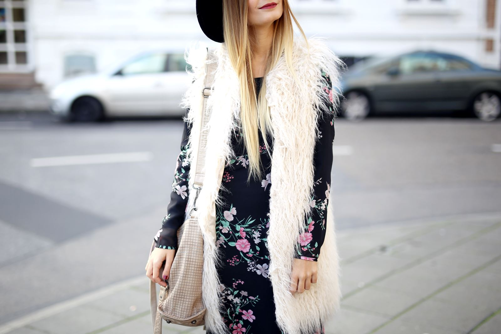 modeblog-fashion-blog-outfit-herbst-fake-fur-maxi-kleid-13