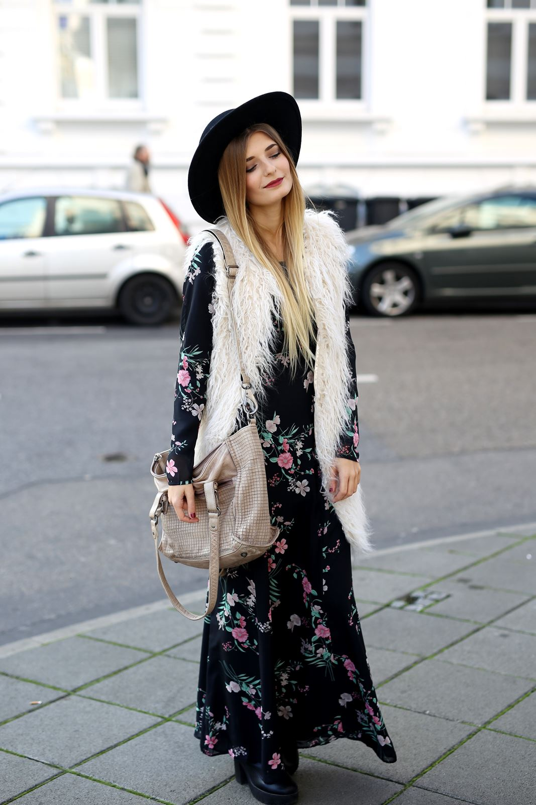 modeblog-fashion-blog-outfit-herbst-fake-fur-maxi-kleid-3