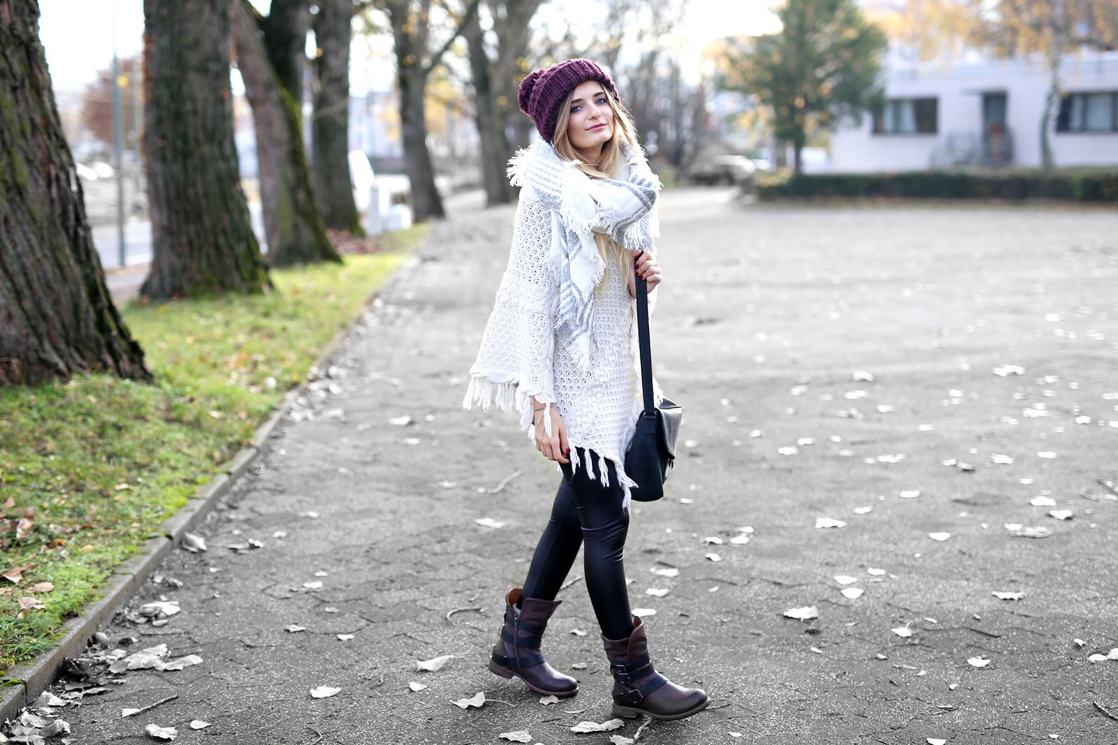 modeblog-german-fashion-blog-herbst-outfit-poncho-xxl-schal-2
