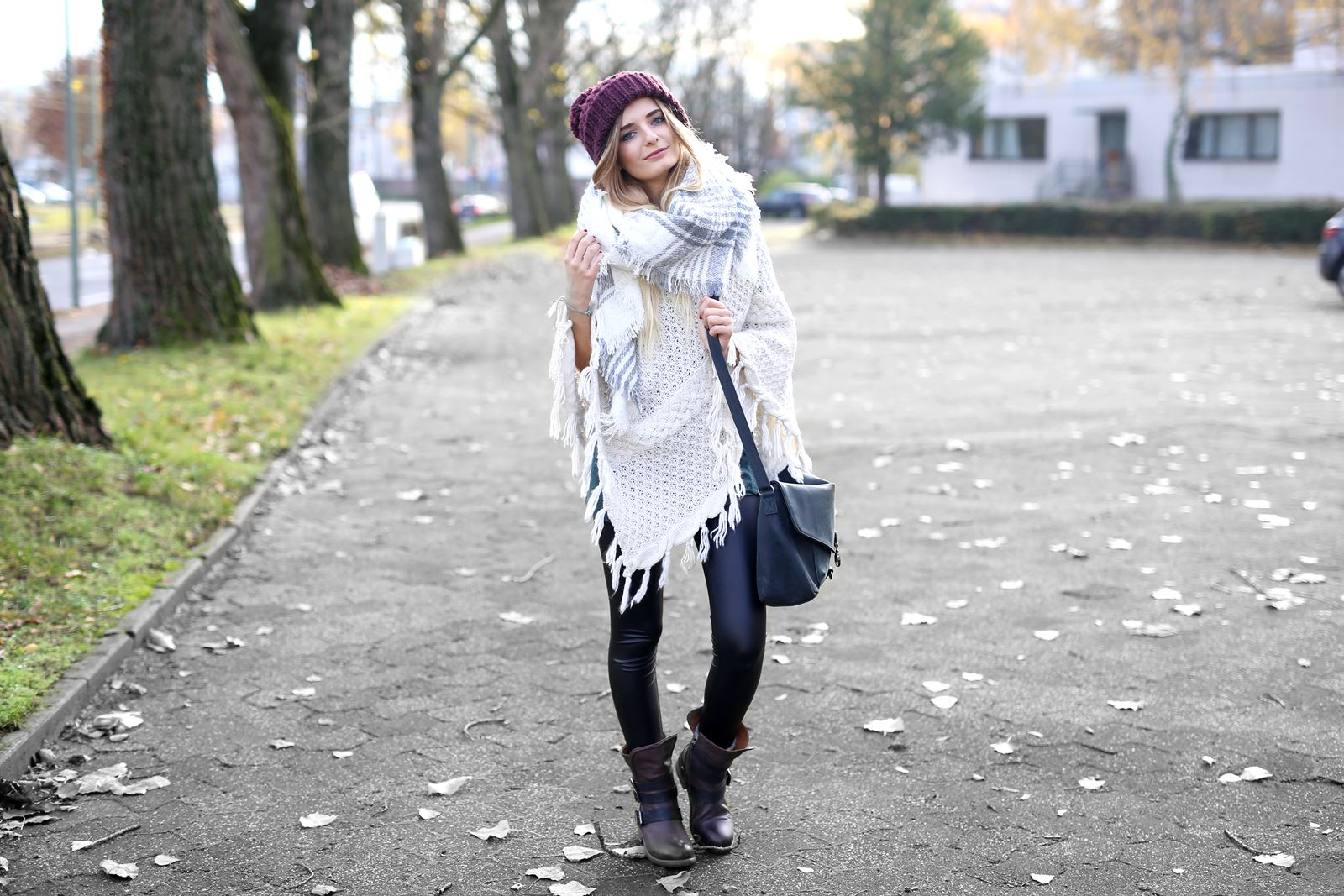 modeblog-german-fashion-blog-herbst-outfit-poncho-xxl-schal-3