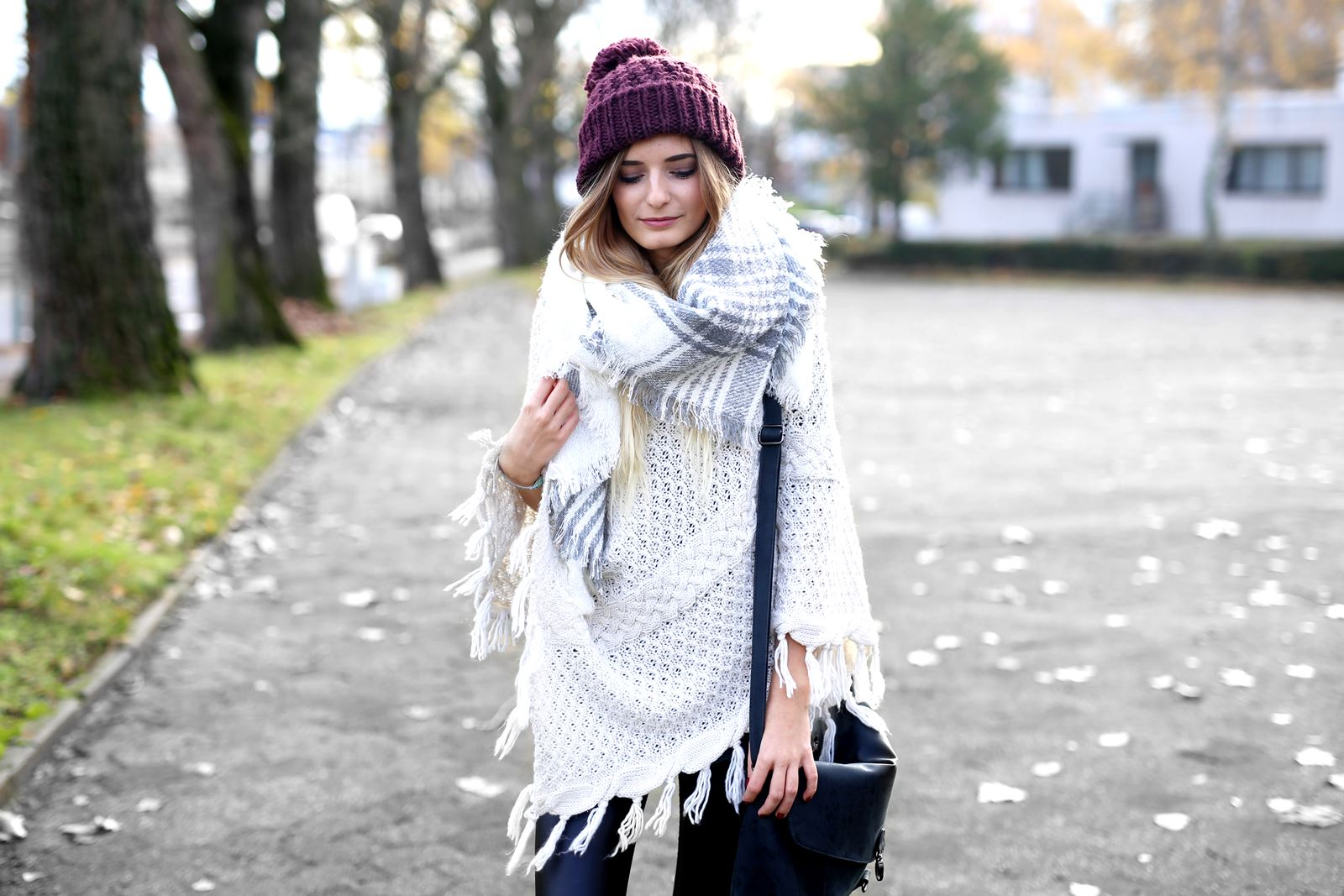modeblog-german-fashion-blog-herbst-outfit-poncho-xxl-schal-4